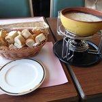 遅昼:サウスロードのチーズフォンデュ、パンが美味!