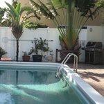 Der Poolbereich mit super Grill