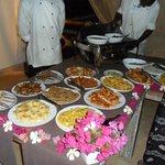 il buffè della cena speciale africana che si tiene 1 volta a settimana