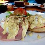 eggs benedict...not bad (:
