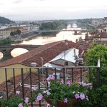 Brunello di Montalcino, the famous local red, the Arno at sunset and a family get together: HEAV