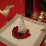 Albero di Natale al mascarpone e frutti di bosco