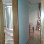 La habitacion doble con baño incluido