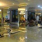 hall do hotel muito bonito e confortável