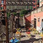 gli esterni su piazza Bellini