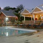 Restaurant y piscina