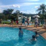 Brincadeiras na piscina