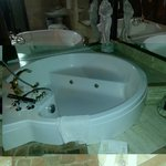 Jacuzzi in room 10