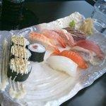 Sushi riquísimo (ya empezado a comer)