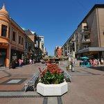 De winkelstraat Obrenovica in het centrum van Niš