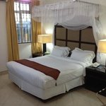 Shamool Suite and Deluxe Bed