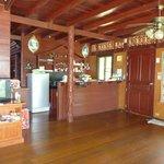 Küche + Bar