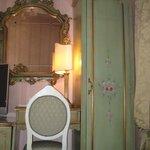 hotel room vanity