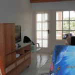 Living Room: Entertainment Set/TV
