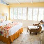 2 Bedroom Suite (Queen bedroom)