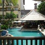 Paradiso - Bar and Pool