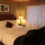 Bedroom - Cedar Chalet