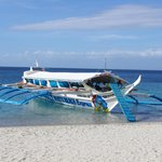 White Beach batangas-bound pumpboat
