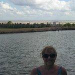 Lago frente a los ombues