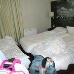 chambre minuscule pour 4 personnes