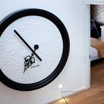 MOOOI clock