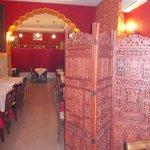 gourm india - sala con paravento in legno