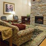 CountryInn&Suites Middleton Lobby