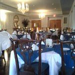 Dining room before the crowd gathered