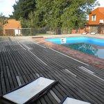 la pileta y el deck