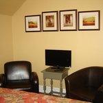 Merlot room sitting area