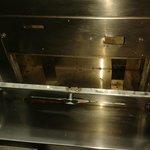 porta kleenex dentro del baño...oxidado