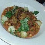 Falafel with vegetables  (vegan!)
