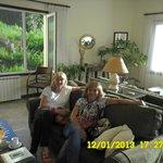 en la sala de estar, excelente vista panorámica al lago