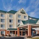 CountryInn&Suites Lexington  ExteriorDay
