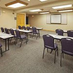 CountryInn&Suites PortWashington  MeetingRoom