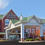 CountryInn&Suites OHare South  ExteriorDay