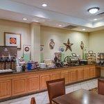 CountryInn&Suites PanamaCityBeach  BreakfastRm