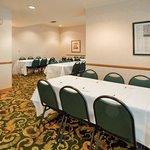 CountryInn&Suites BirchRun  MeetingRoom