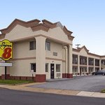 Welcome to the Super 8 Newark