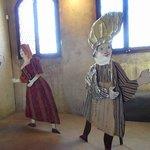 Personaggi dentro Palazzo Pretorio