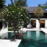 Residence's pool