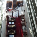 Sitzgelegenheiten im Foyer