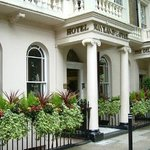 Photo of Nayland Hotel