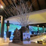 like the special design of balinese lobby