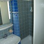Zweibettzimmer Rheinseite Dusche