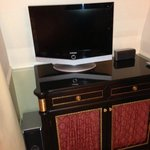 Small TV, even Sheraton standard is bigger, SONY speakers