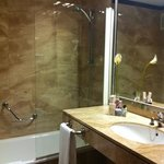clean bathroom with beautifull marbles