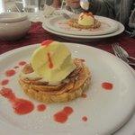 tarte aux pommes chaudes et glace vanille