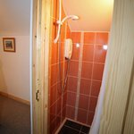Coach house separate shower wet room to help get everyone out the door on time!