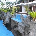 Une piscine à plusieurs bassins